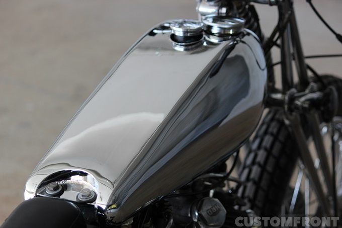 VINCENT MOTORCYCLES RAPIDEのタンク